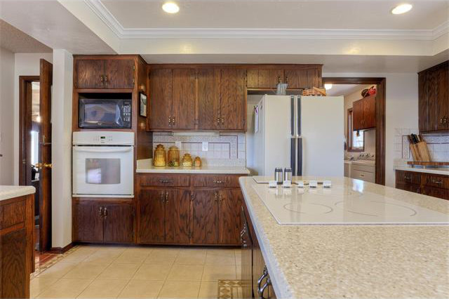 Kitchen Remodel Before | J&J Construction, Inc.